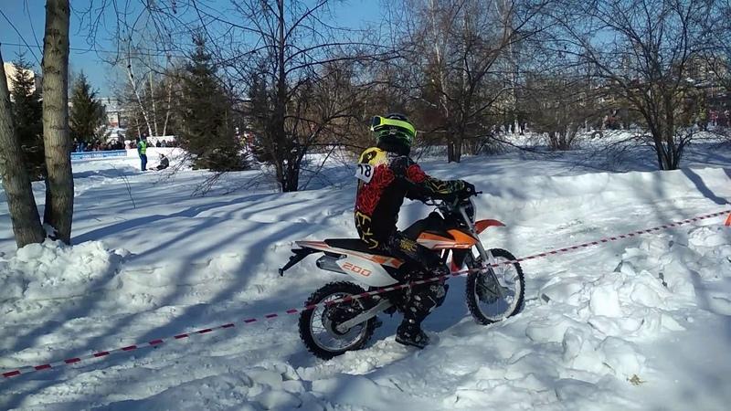 Мотогонка в г.Барнаул 23.02.2019. Ледниковый ринг 2019. Заезд кроссовых мотоциклов до 250 см3