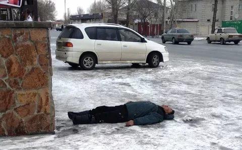 В Горловке на гололеде умерло двое мужчин