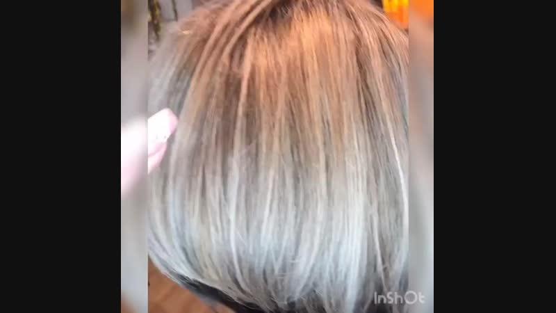 В Новый год с новой причёской☑️ Не бойтесь перемен! 🖤🖤 ⠀  Стрижка (короткие волосы) - 990 руб. Окрашивание (короткие волосы) - 2
