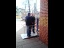 Проверка стационарного автоматического подъёмника для людей с ограниченными возможностями. Компания Спарта-Мет