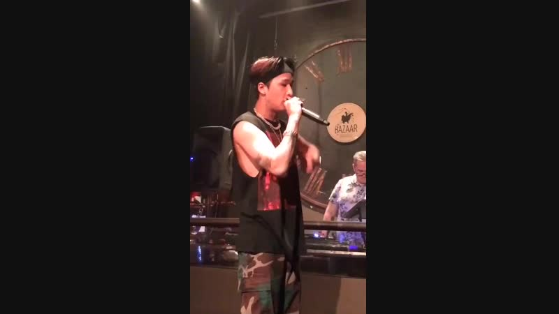 RAVI 1ST SOLO EUROPE TOUR, BRUSSELS - LEAN ON ME