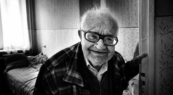 102-летнего мужчину арестовали за сексуальное преступление в Австралии Мужчине, сексуально домогавшемуся женщину в пригороде австралийского Сиднея, предъявили обвинения в непристойном нападении,