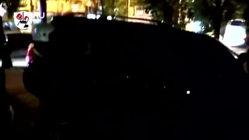 Спасатели разнесли стекло Крузака с бухим пилотом и без колеса
