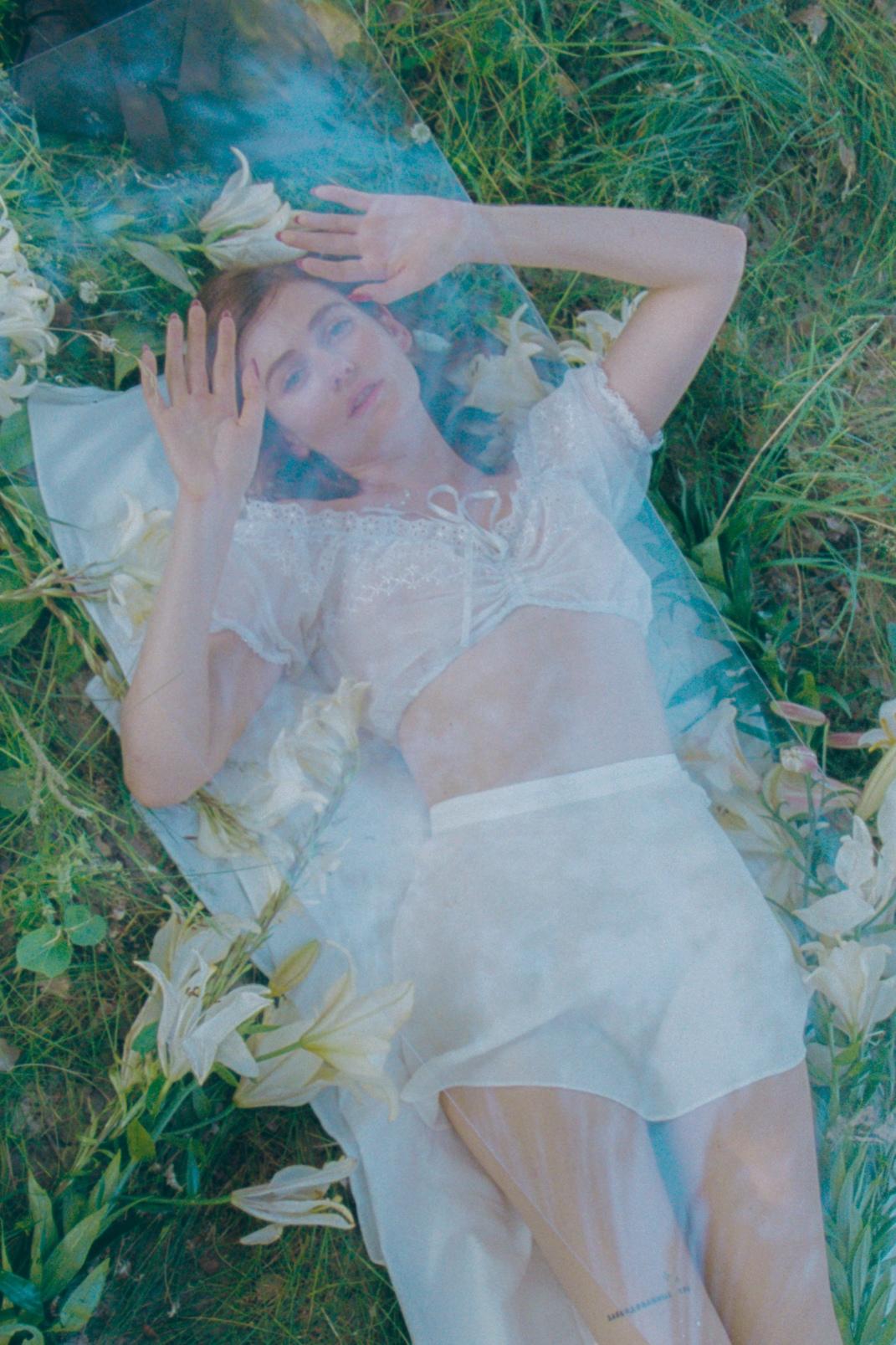 Луна выпустила новый альбом «Заколдованные сны»