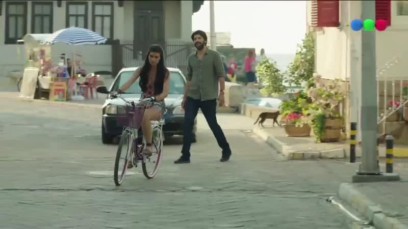Omar se roba una bicicleta para perseguir a Elif El Capitán está dispuesto a todo por amor Mirá lo que está pasando en el último