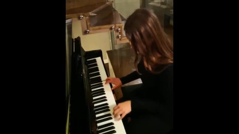 Leyla Lydia Tugutlu - instagram