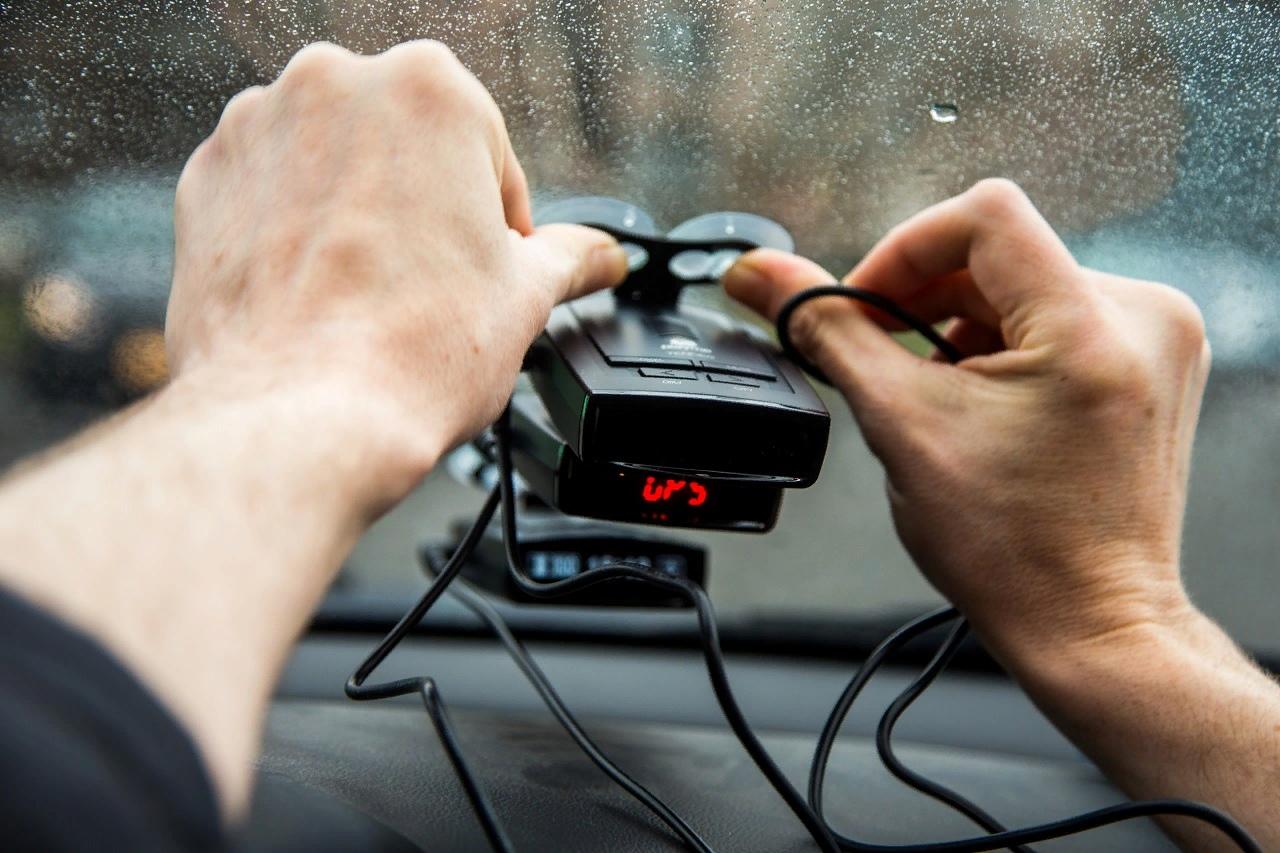 Новые штрафы: 500 рублей за навигатор, видео-регистратор и радар
