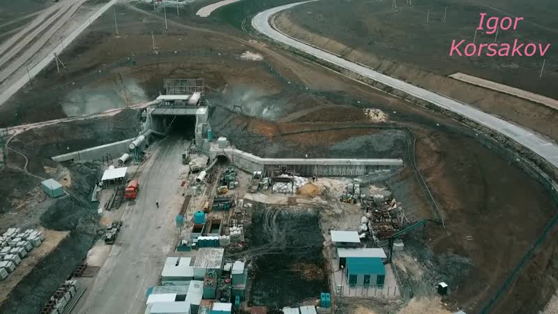 Крымский мост(14.11.2018) Полёт к южному порталу Ж_Д тоннеля Очень интересные события Комментарий