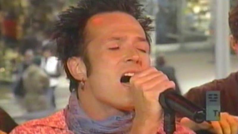 Stone Temple Pilots - Sour Girl (TRL 2000)