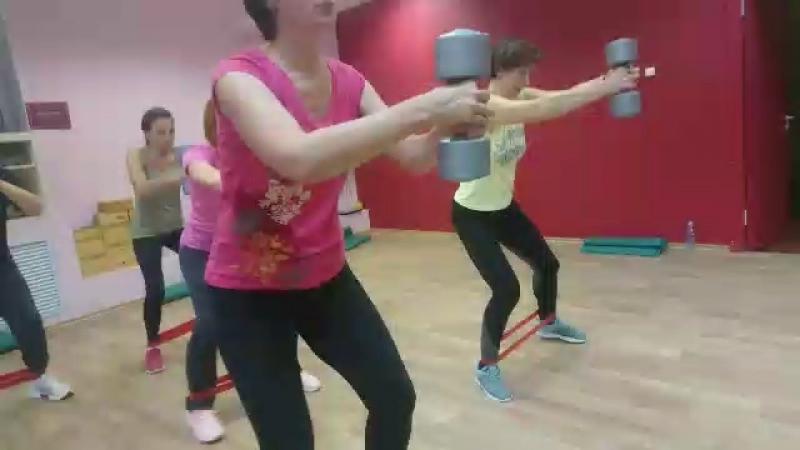 Силовой фитнес растяжка в Мирра Фит с Анной Елиной