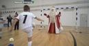 Задорный праздник в Нижнем Новгороде Дед Мороз раздал подарки встал на лыжи и сыграл в футбол