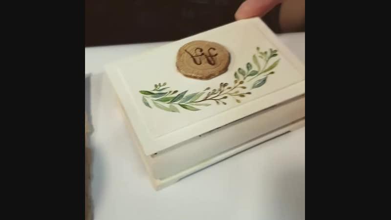 Творческий процесс живьём. 🎨 Ручная роспись шкатулочки для колец нашим молодоженам. 😊  шкатулкадляколец шкатулка ручнаяроспис