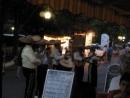 P8084810 Албена музыканты около ресторана