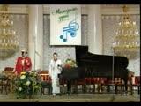 Людмила Лядова и Валерий Белянин поют песню