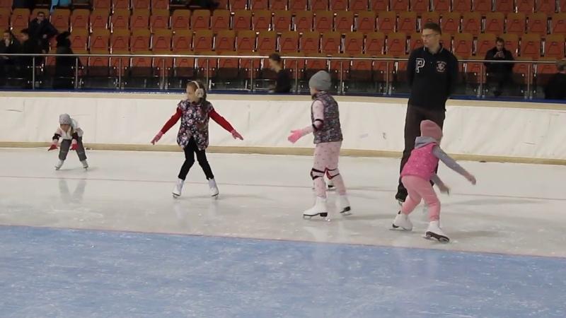З месяца на льду Minsk_arena