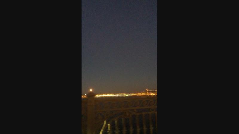Питерская луна