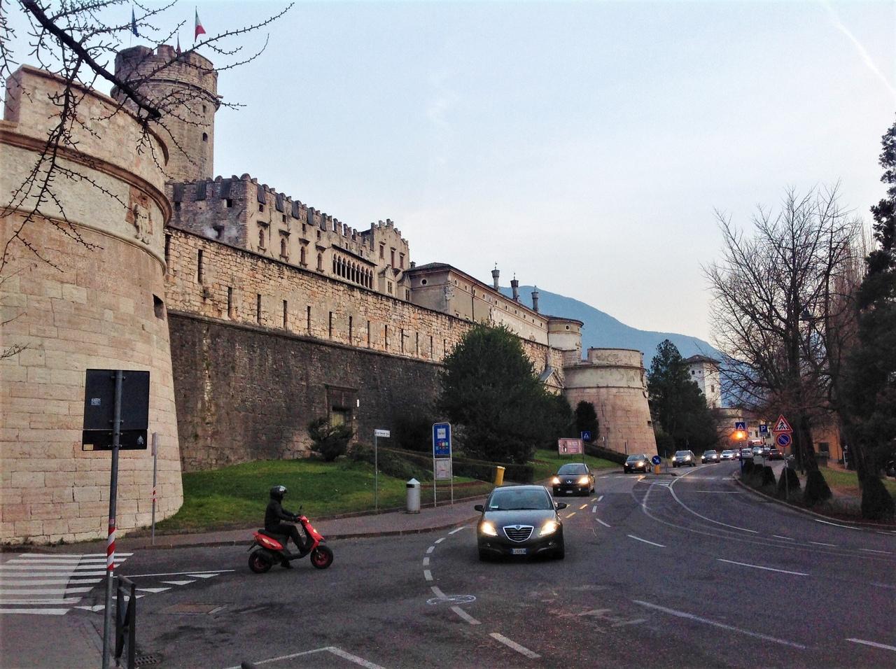 Замок Буонконсильо в Тренто и его Орлиная башня