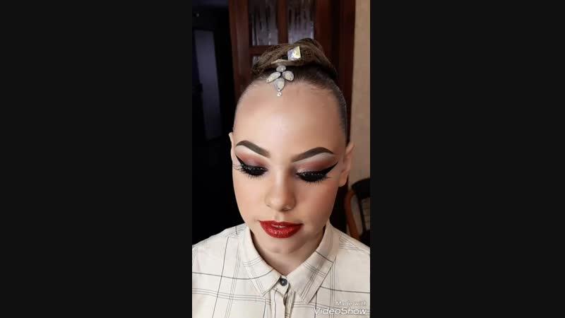 Прическа и макияж для бальных танцев