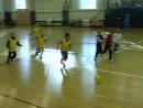 Игра по футболу среди обучающихся начальных классов.