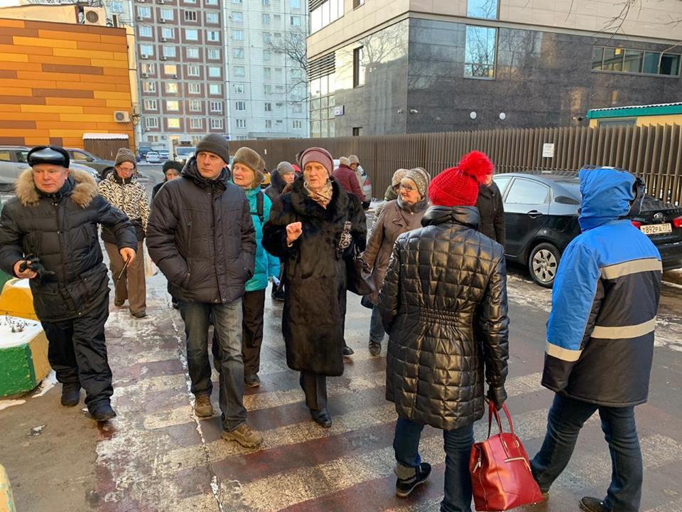 Александр Шнурков совершил обход дворов в Савеловском районе