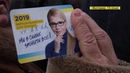 Слаба глазами стала як у Житомирі від кандидата у Президенти пенсіонерам окуляри роздавали