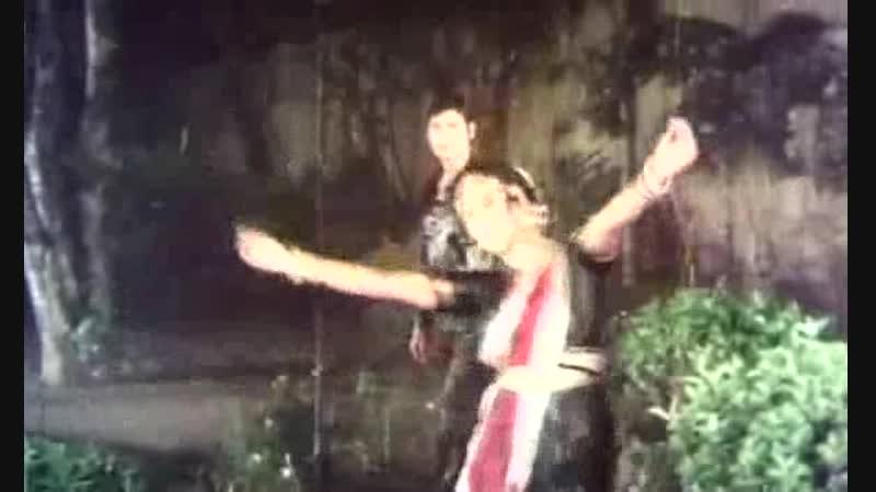Ei Brishti Bheja Raate Bangladeshi Movie Song Singer Runa Laila