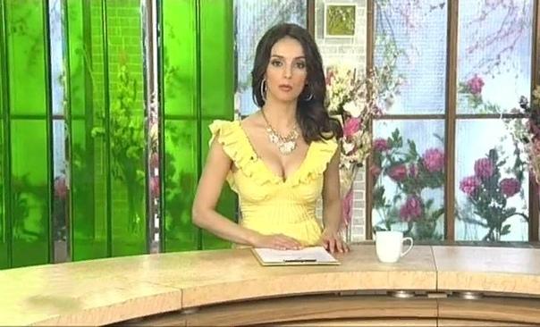 Юлия Зимина Юлия Зимина родилась 4 июля 1981 года в небольшом городке Красный Кут в Саратовской области. Ее родители были уважаемыми людьми в городе: Александр Петрович, отец Юлии, работал