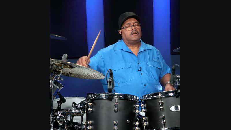 Dennis Chambers funkin out!