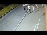 В Саратове две пьяные обезьяны избили 15-летнего школьника из-за его чёлки
