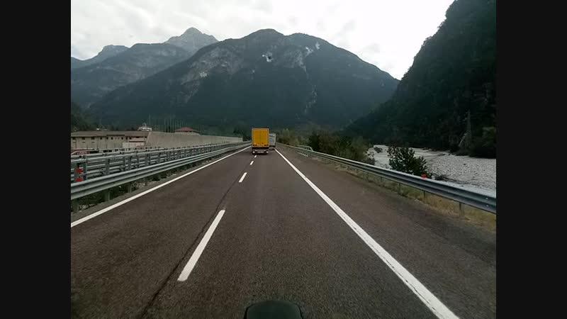 Проезжаем горы Альпы