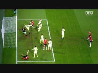 Тур 5: ПСВ - Барселона 1:2