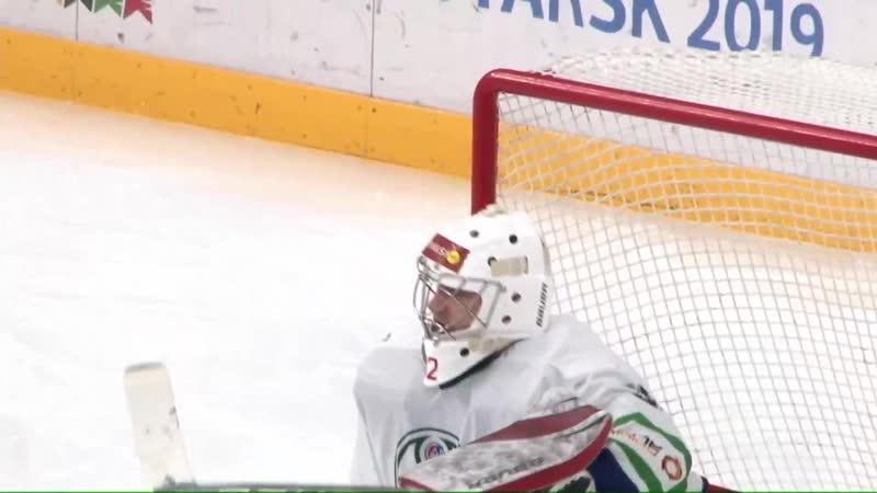 Денис Горбунов открывает счет в матче - 1:0