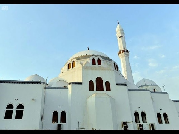 Мечеть, в которой впервые был совершен джумуа намаз в Медине