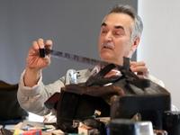 Свои коллекции пленочной аппаратуры представили член Союза фотохудожников России Анатолий Осипенков и ...
