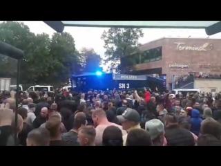 Chemnitz - Demonstration 27.08.2018 - Linksextremisten, Antifa und Asylanten werfen Böller auf friedliche Demonstranten