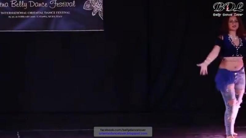 Giada e Regina in Street shaabi - رقص مهرجانات شعبى 23076