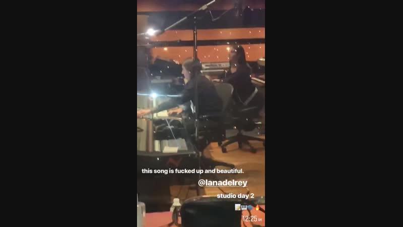 22 октября 2018 Лос-Анджелес, США Лана в студии звукозаписи с Machine Gun Kelly, Лорой Сиск и Джеком Антонофф