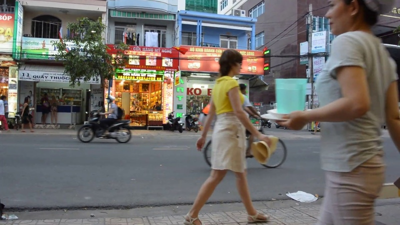 Жизнерадостный вьетнамец