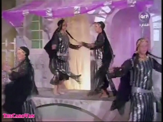 Sabah with Nagwa Fouads dancers (1977)(1)