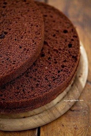Шоколадный бисквит по-генуэзски