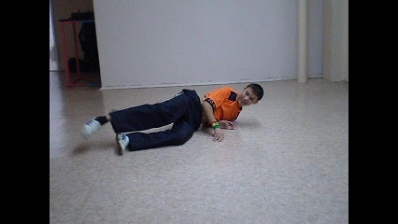 Архив т\о СТЭМ 2009.Тренировка по брейк дансу