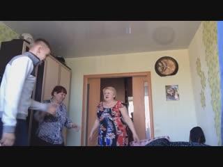Russian granny reacts to xxxtentacion