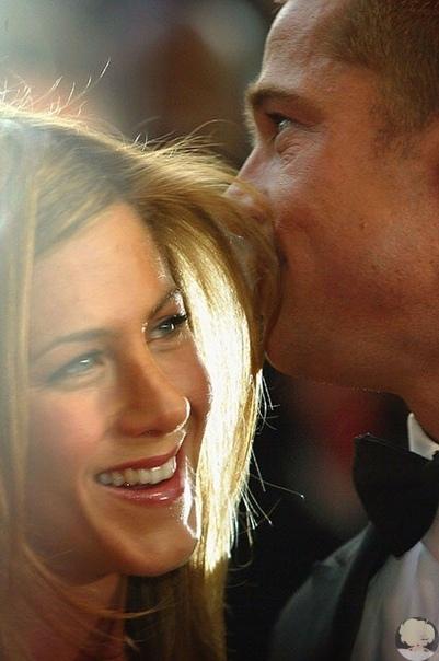 Дженнифер Энистон хотела выступить в защиту Брэда Питта на суде против Анджелины Джоли