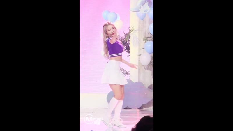 [FANCAM] 180823 이달의 소녀/Kim Lip – Hi High @ M!Countdown Debut Stage