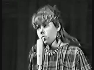 Виктор Цой и Юрий Каспарян-Ответы на записки в Ленинграде,ДК.Связи,Декабрь 1986 год[Live].