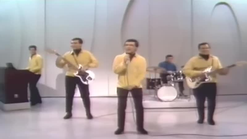 The Four Seasons feat. Frankie Valli - Let's Hang On!