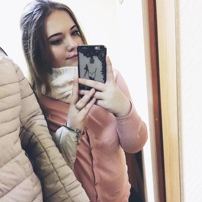 Оля Морозова
