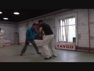 Тренировка по прикладной технике рукопашного боя, наработка блока на удар ножом