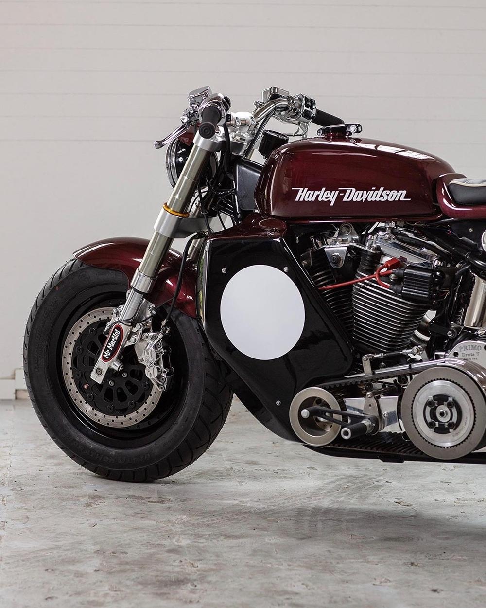 Mr Martini: кафе рейсер Harley-Davidson Fat Boy