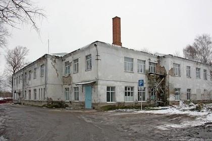 Чиновница посоветовала врачам полуразрушенной больницы помыт